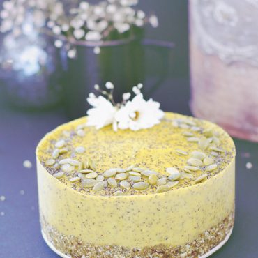 Cauliflower Avocado Lemon Poppy Seed Cake (Free from: gluten & grains, dairy, nuts, eggs, added oils, and refined sugar)